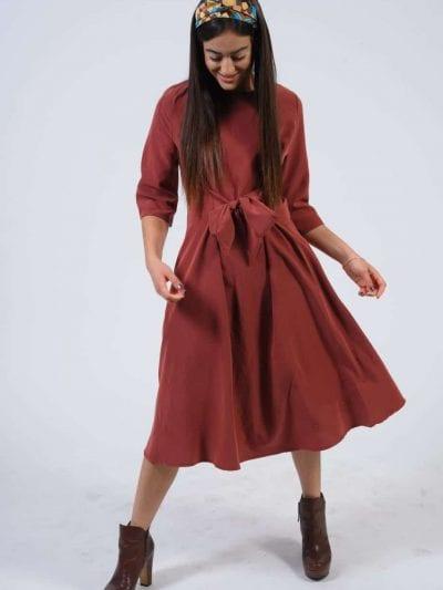 שמלת קשירה צבע חמרה