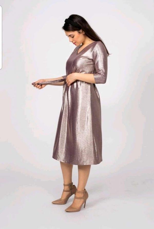 שמלת אמילי פתח וי בצוואר, בד נאון לורקס בתוספת בטנה דקיקה למניעת שקיפות