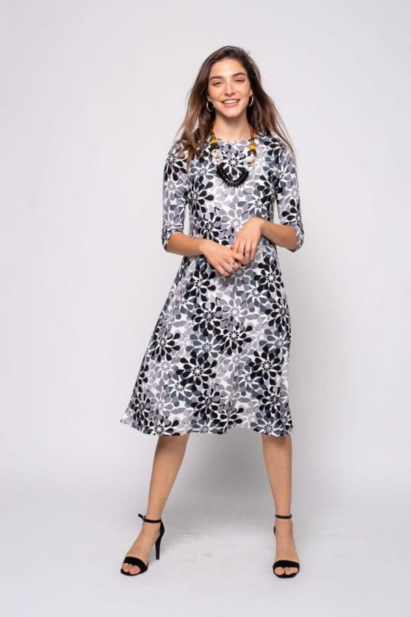 שמלות צנועות בסטייל